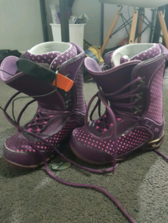 Snowboard boots size 8US