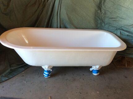 Clawfoot bath fully restored
